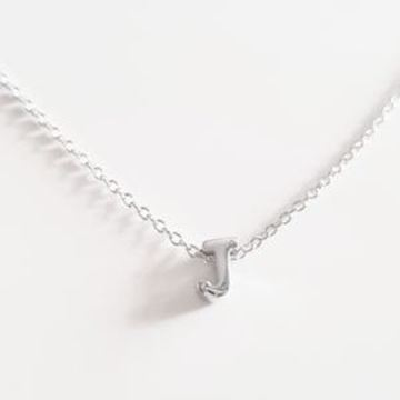 Picture of COLLAR PLATA INICIAL LETRA J RODIO